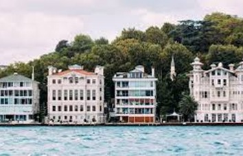 "A Critical Approach Towards ""Valuable Housing Tax"" Specific to Turkey"